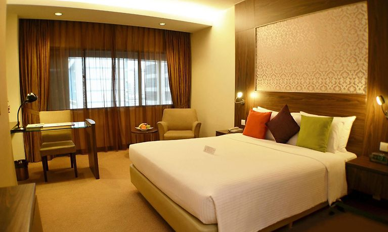 HOTEL GRAND PACIFIC, SINGAPORE ****